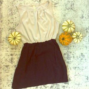 Dresses & Skirts - Bee Stitched. Elastic waist dress.